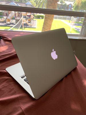"""2017 Macbook Air 13.3"""" 128Gb for Sale in Palm Beach Gardens, FL"""