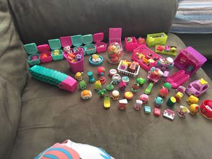 88 shopkins + Limited addition + cutie car + big sized shopkins ! for Sale in Woodbridge, VA