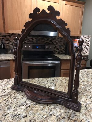 Small vintage swinging mirror for Sale in Vancouver, WA