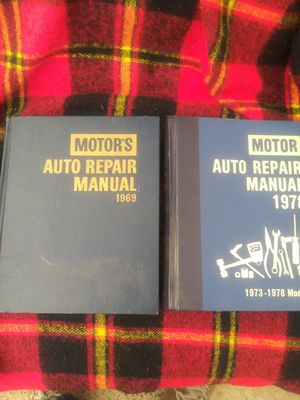 2 motor auto repair manuals for Sale in American Canyon, CA