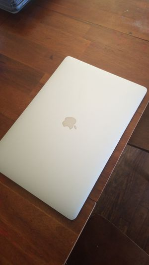MacBook Pro w/Touch Bar and Retina Display for Sale in Walton Hills, OH