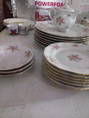 Vintage Farolina 18 piece set for Sale in Sulphur, OK