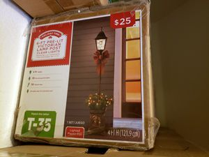 4ft Christmas lamp post for Sale in Surprise, AZ