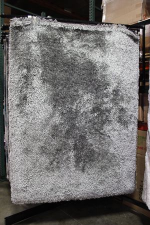 5 x 7 Area Rug, SILVER for Sale in Santa Fe Springs, CA