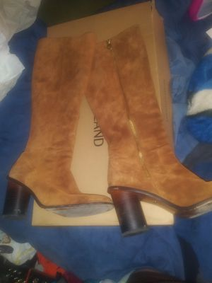 COACH KNEE HIGH SUEDE BOOTS for Sale in Las Vegas, NV