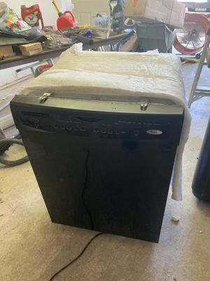 Whirlpool dishwasher for Sale in Dallas, TX