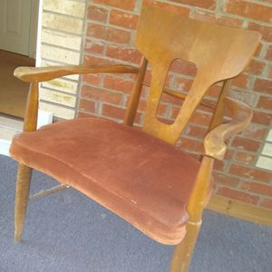 Vintage Chair for Sale in Jonesboro, GA