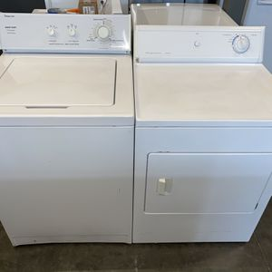 TOP LOADING REFURBISHED WASHER DRYER ELECTRIC SET for Sale in Vancouver, WA