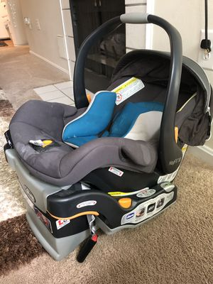 Chicco Baby Car Seat with Base for Sale in Clarksville, MD