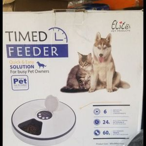 Timed Pet Feeder for Sale in Lawndale, CA
