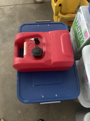 Attwood 3 gallon gas tank. Model 8803LP2. (Sells on Amazon for $46.99). for Sale in Bend, OR