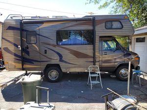Chevrolet 23 foot Minnie Winnie by Winnebago. for Sale in Rancho Cucamonga, CA