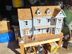 Antique doll house for Sale in Los Angeles, CA