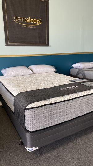 NEW Queen 15'' Plush Mattress Ashley Sierra Sleep Foam I for Sale in Irving, TX