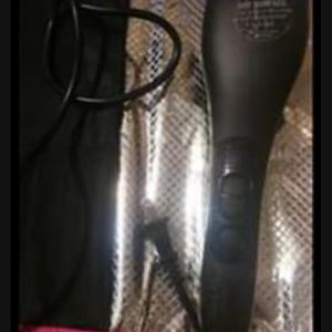 As Seen On Tv Simply Straight Hair Straightener Brush for Sale in North Little Rock, AR