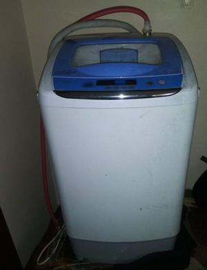 Midea fully automatic washing machine for Sale in Albia, IA