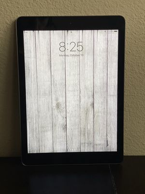 Apple iPad Air (16GB, Wi-Fi, Black w/Space Grey) for Sale in Tustin, CA