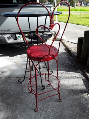 Antique metal icecream shop hightable &chair for Sale in New Port Richey, FL