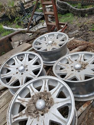 Set of 4 20 inch chrome wheels. for Sale in Austin, TX