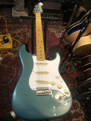 Classic Vibe 50's Fender Squier Stratocaster Like New Plays Great for Sale in Puyallup, WA