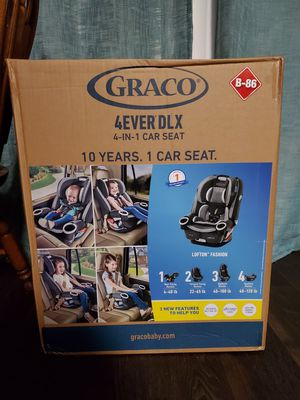 Graco 4ever DLX 4-in-1 convertible car seat... lofton gray for Sale in North Richland Hills, TX