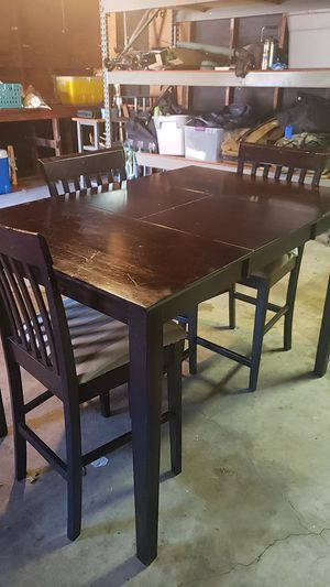 Kitchen/Breakfast Table and Chairs - Counter Height for Sale in Richardson, TX