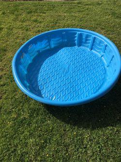 Plastic kiddie Wading Pool (FREE) for Sale in Selma, CA