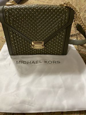 Almost new authentic Michael Kors Whitney large leather satchel for Sale in Edmonds, WA