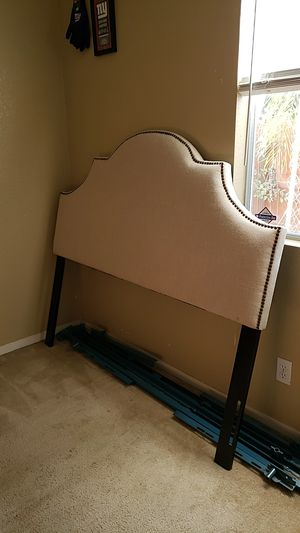 Queen Headboard for Sale in Tulare, CA