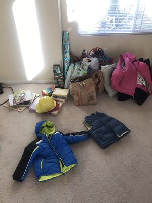 Free Kids Toys, Clothes, Xmas Decor, Puzzles for Sale in Escondido, CA