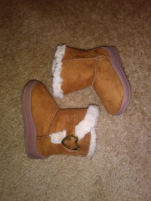 Baby girl boots for Sale in Buffalo, MN