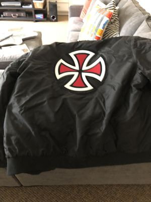 Basically NEW large Supreme jacket for Sale in Houston, TX