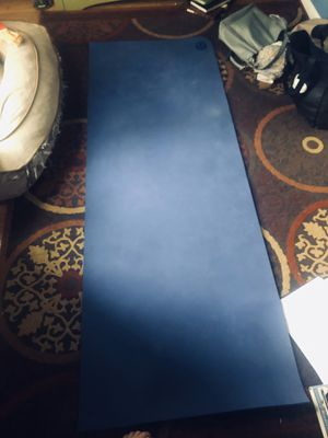 Lululemon blue yoga mat for Sale in Chicago, IL