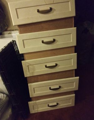 FREE DRESSER (nothing wrong - address in description) for Sale in South Gate, CA