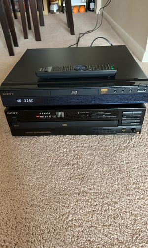 Blu-Ray disc player. BDP-S301 / Compact Disc Digital Audio for Sale in Sterling, VA