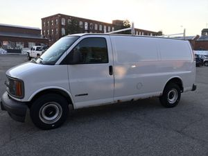 2000 CHEVY EXPRESS 2500 for Sale in Bridgeport, CT