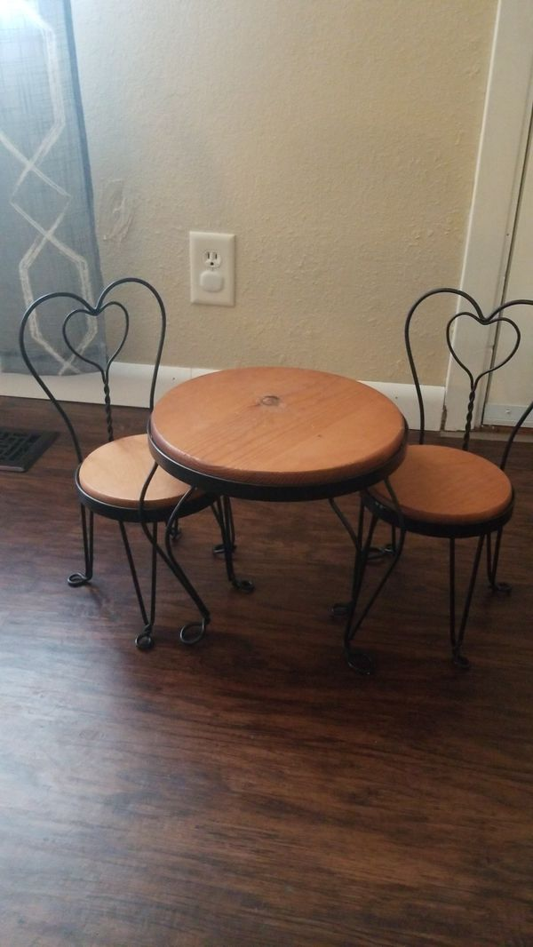 """Home Interiors 18"""" Doll table and chairs"""