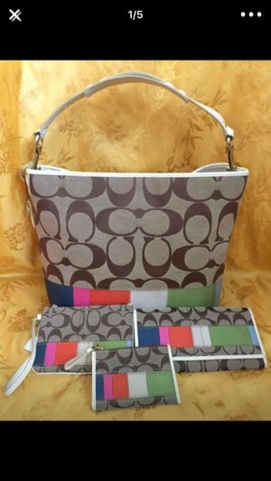 Coach handbag/wallet/wristlet/coin purse for Sale in Las Vegas, NV