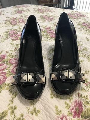 Burberry Blk Patent Leather Buckle Pumps for Sale in Las Vegas, NV