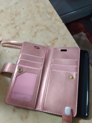 Used Samsung Galaxy s9 with a wallet case and regular case for Sale in San Diego, CA
