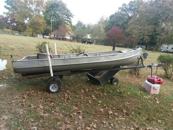 14ft alumicraft semi v bottom with 9.9 2008 mercury eng dad bought 7 yrs ago been used 25 times