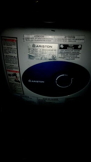 ARISTON 3 gal hot water heater v/120 for Sale in Winter Haven, FL