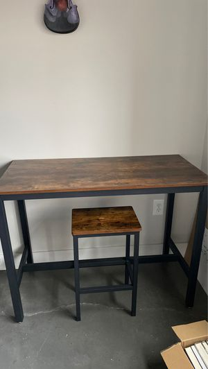 Vasagli bar table and stool for two for Sale in Bloomfield, NJ