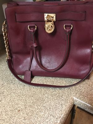 MK handbag limit edition I spent $450 I'm trying to get $200 for it best offer I only wore it twice nothing's wrong with it no rips or anything still for Sale in Las Vegas, NV