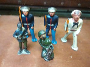 Antique toys cast iron figures roughly 3 1/2 inches for Sale in Oakland Park, FL