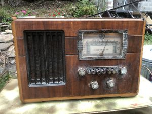 Antique silver tone radio for Sale in Ghent, WV