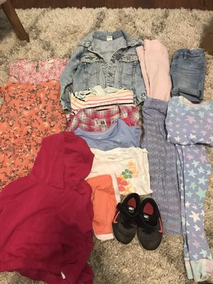 2t-3t toddler girl clothes for Sale in Kent, WA