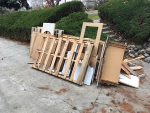 Free pallets and wood for Sale in Richland, WA
