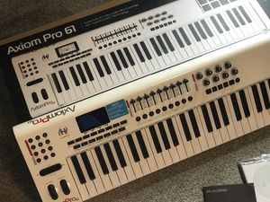 Axiom pro 61 key midi controller 👌 for Sale in Kissimmee, FL