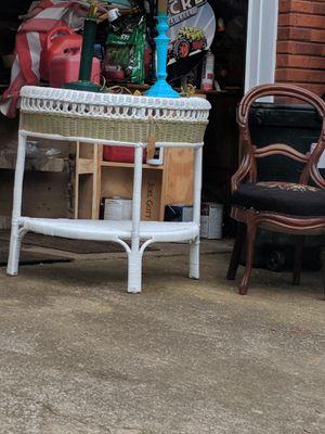 Wicker console table and round mirror for Sale in Marietta, GA